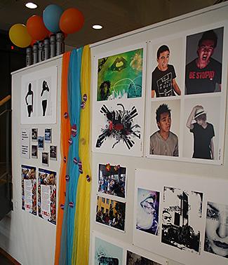 Utstilling Bydelsadministrasjonen - arbeider fra web&grafisk praksisplass